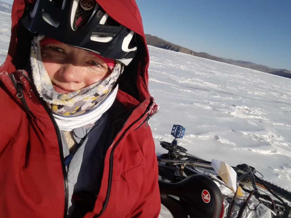 Ставропольская велосипедистка прибыла на Байкал
