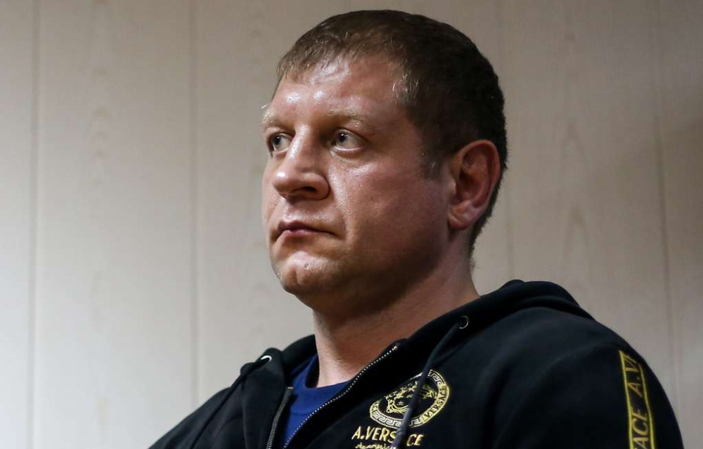 Кисловодский мировой суд оставил Александра Емельяненко без водительских прав