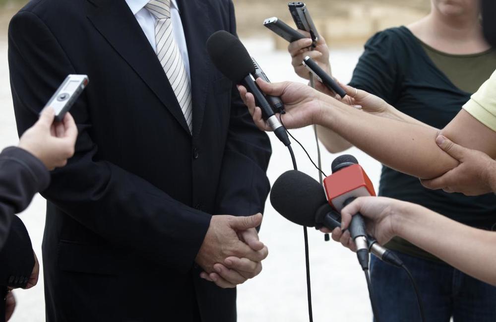 Министерство дорожного хозяйства поймали на оплате за «зонтик» от критики в СМИ?