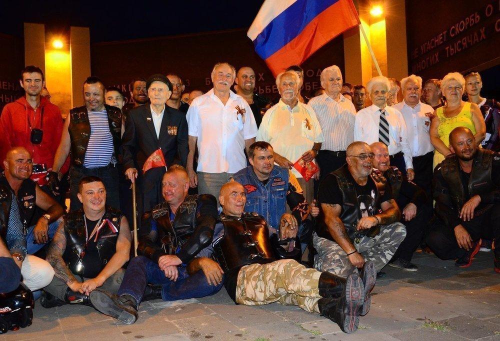 Клуб байкеров «Ночные волки» посетил МинВоды в рамках мотопробега