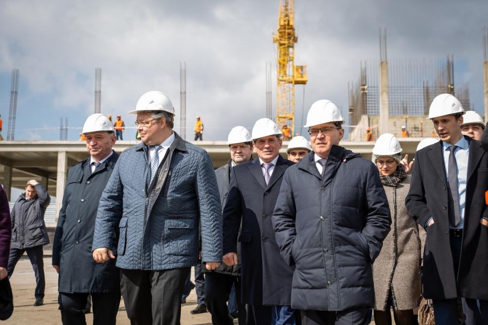 Министр строительства и ЖКХ России Владимир Якушев посетил ЖК «Российский»