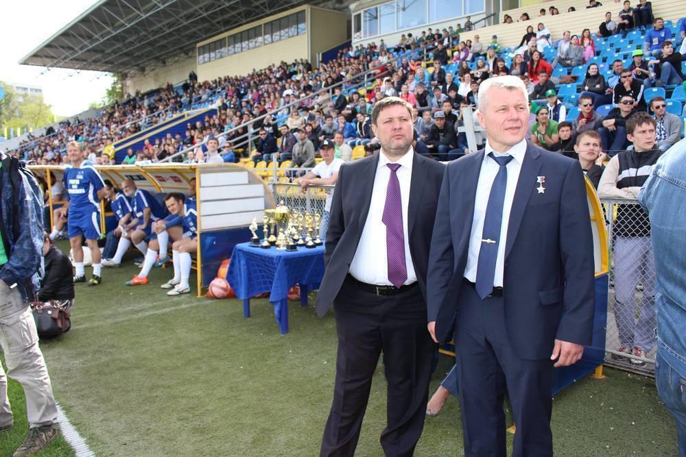 Благотворительный футбольный матч в Ростове собрал полные трибуны зрителей