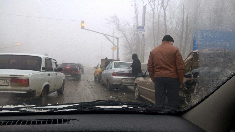 В Ставрополе на улице Объездной столкнулись пять автомобилей