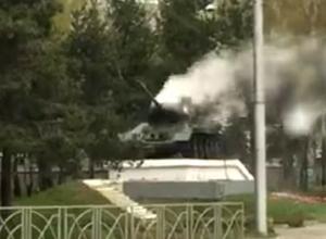 Дымящий танк на Кулакова озадачил жителей Ставрополя