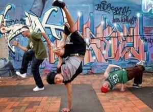 Мастера хип-хопа и паппинга из Ставропольского края покорили танцполы на родине Гамлета