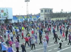 Межнациональную зарядку в Ставрополе провели олимпийские чемпионы