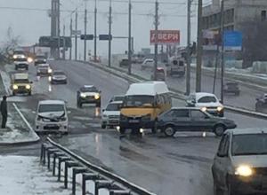 С серьезного ДТП начался «день жестянщика» в Ставрополе