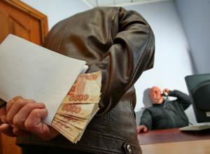Житель КБР пытался выкупить у полицейского изъятую партию «паленого» алкоголя на Ставрополье