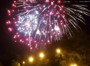 «Столько денег на ветер», - ставропольцы оценили салют в честь Дня России