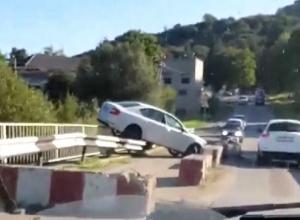 Возмущенные жители села потребовали от Владимирова починить угрожающий жизням детей аварийный мост на Ставрополье