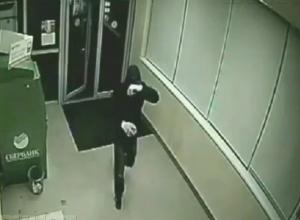 Горе-грабителю дважды не удалось опустошить банкоматы в Ессентуках