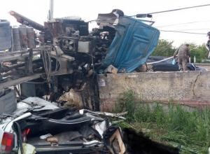 Два человека погибли в раздавленной бетономешалкой «Ниве» в Ставрополе