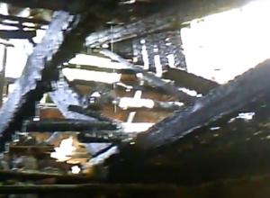 Сильный пожар полностью уничтожил частный дом на Ставрополье