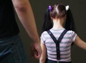 44-летний мужчина совращал 9-летнюю дочь сожительницы на Ставрополье