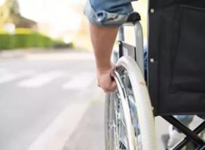 Инвалид попал под колеса отечественного автомобиля в Ставрополе