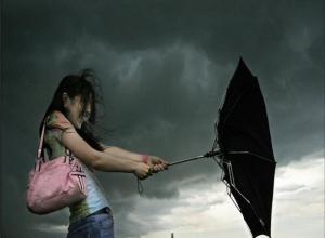 МЧС: штормовой ветер и град с ливнем накроют Ставрополье 14 и 15 мая