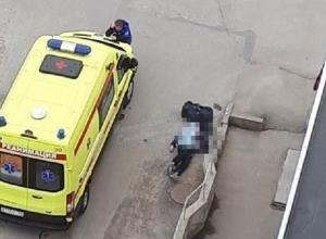Мужчина внезапно умер прямо на улице в Ставрополе
