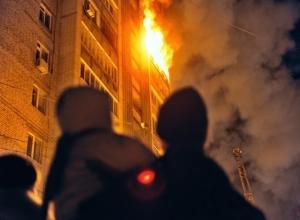 Маленький ребенок и его родители погибли в пожаре в одном из домов Невинномысска