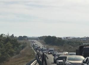 Загадочный приезд высокого чина спровоцировал гигантские пробки на въезде в Михайловск и Ставрополь