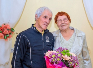 80-летний мужчина и 78-летняя женщина стали счастливыми молодоженами на Ставрополье