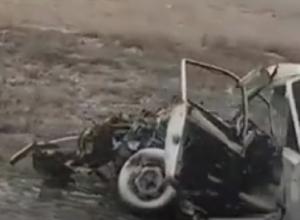 В лобовом столкновении «семерки» с КамАЗом погибли люди на Ставрополье