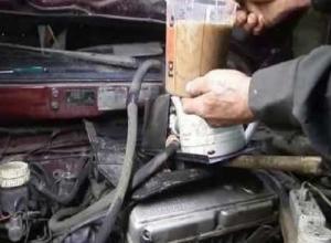 Мстительный мужчина из-за ссоры с начальником насыпал стружку в двигатель его авто на Ставрополье