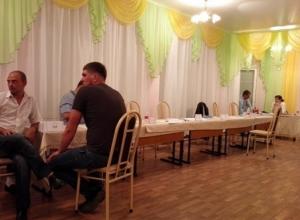 Беспредел на выборах в Черкесске: чаепитие вместо подсчета голосов устроила комиссия на избирательных участках