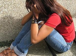 Молодой мужчина изнасиловал 14-летнюю девочку в безлюдном месте на Ставрополье
