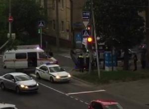Последствия серьезного ДТП с перевернутым авто попали на видео в Ставрополе