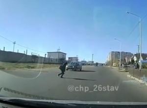 «Куда смотрят родители?»: школьник-нарушитель попал на видео в Ставрополе