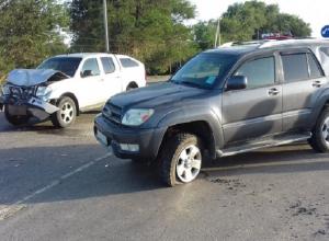 Женщина с ребенком попали в больницу после жесткого ДТП «Тойоты» и «Ниссана» на Ставрополье