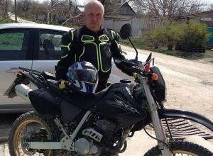Мужчина с сердечным приступом умер на руках у сына, не дождавшись приезда «скорой» на Ставрополье