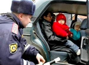 Таксист может «сесть» на два года за перевозку ребенка без удерживающего устройства в Ставропольском крае