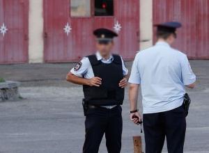 Два командира ППС обещали устроить мужчину в полицию за 200 тысяч рублей на Ставрополье