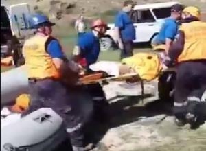 Появилось видео подъема тела погибшего ставропольского туриста со дна озера в КБР