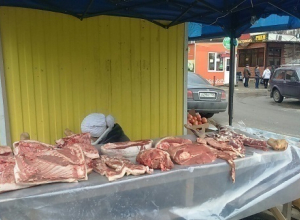 Продажа мяса на улице возмутила жительницу Ставрополя