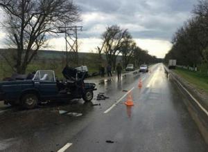 Молодой водитель ВАЗ-2103 погиб в жестком столкновении с КамАЗом в Ставропольском крае, - очевидцы