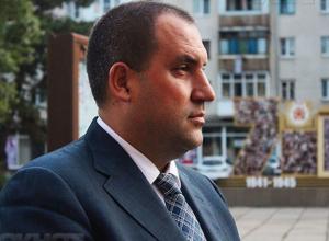 Решение суда не вынудило скандального мэра Минвод Перцева уйти с должности