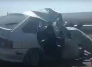 Последствия страшной аварии с «четырнадцатой» на «трассе смерти» попали на видео в Ставропольском крае