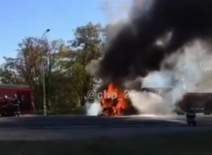 КамАЗ загорелся на трассе под Ставрополем и попал на видео