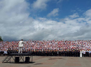 Тысячный хор детей заставил плакать жителей Ставрополя в День Победы