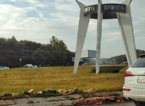 Арбузный «свинарник» на въезде в Пятигорск власти не убирают уже неделю
