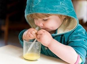 Ужасные химические ожоги от глотка фруктового сока получила четырехлетняя малышка и двое мужчин на Ставрополье