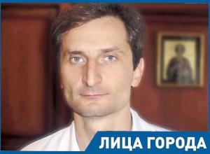 «В Америке выходит куча сериалов про медиков, а у нас врачей только и знают, что ругают», - главврач ставропольской краевой больницы