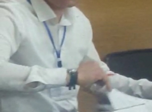 Член УИК заполнял бюллетени после закрытия избирательного участка в Черкесске