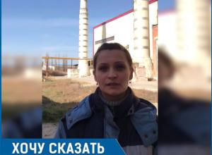 «На наш завод ворвались люди в униформе и силой удерживали работников», - сотрудник Новоалександровского стеклотарного завода