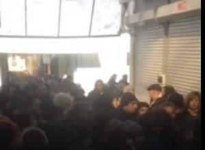 В Пятигорске таможенники забирают товар у торговцев рынка «Лира», но не трогают нелегалов