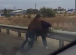 За попытку объехать пробку избили водителя на выезде из Ставрополя