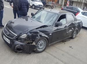 Второе ДТП за два дня происходит из-за неработающих светофоров на перекрестке в центре Ставрополя
