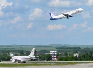 Самолет из Москвы внепланово сел в аэропорту Минеральных Вод из-за закурившего пассажира